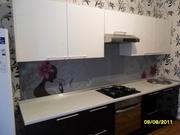 Стеклянные фартуки для кухни  Оформление интерьера стеклом